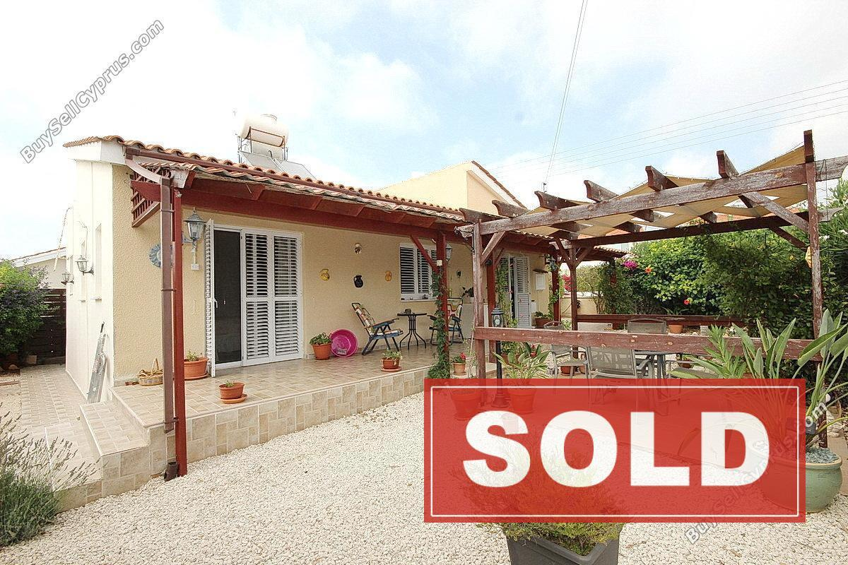 228613 2 Bedroom Bungalow For Sale In Tremithousa Paphos Buysellcyprus Com